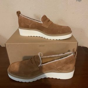 Ugg Spill Seam Atwater Loafers NIB